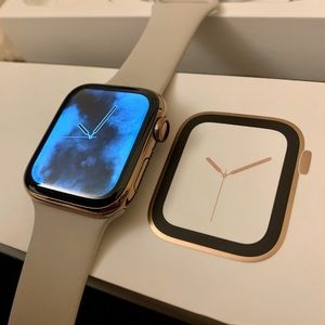 Gold Stainless Steel Apple Watch 4